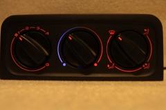 Piros - középen kék/piros