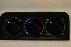 Zöld - középen kék/piros